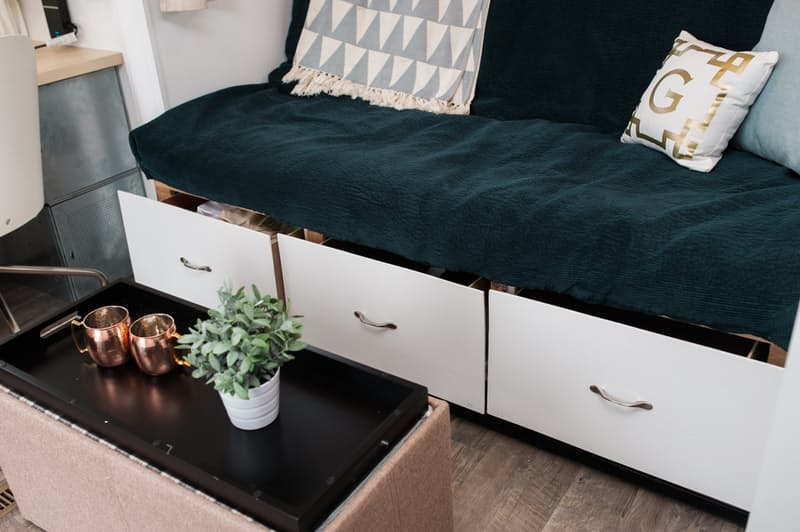 8 Genius Ways To Utilise Your Small Space