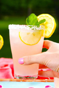 Summer cocktail Pink lemonade