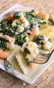 Ravioli-with-Seafood-Spinach-Mushrooms-in-Garlic-Cream-Sauce
