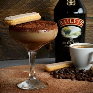 Baileys Tiramisu Martini, Holiday Recipe, Cocktail Recipes